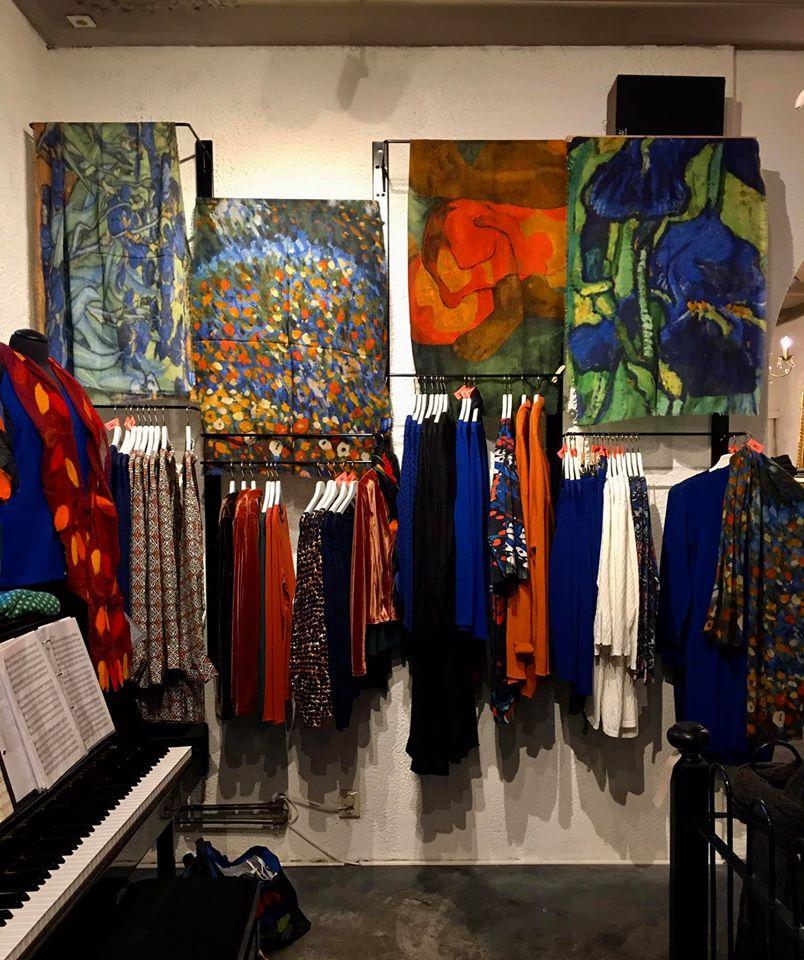 Nieuwe sjaals in prints van bekende kunstenaars!