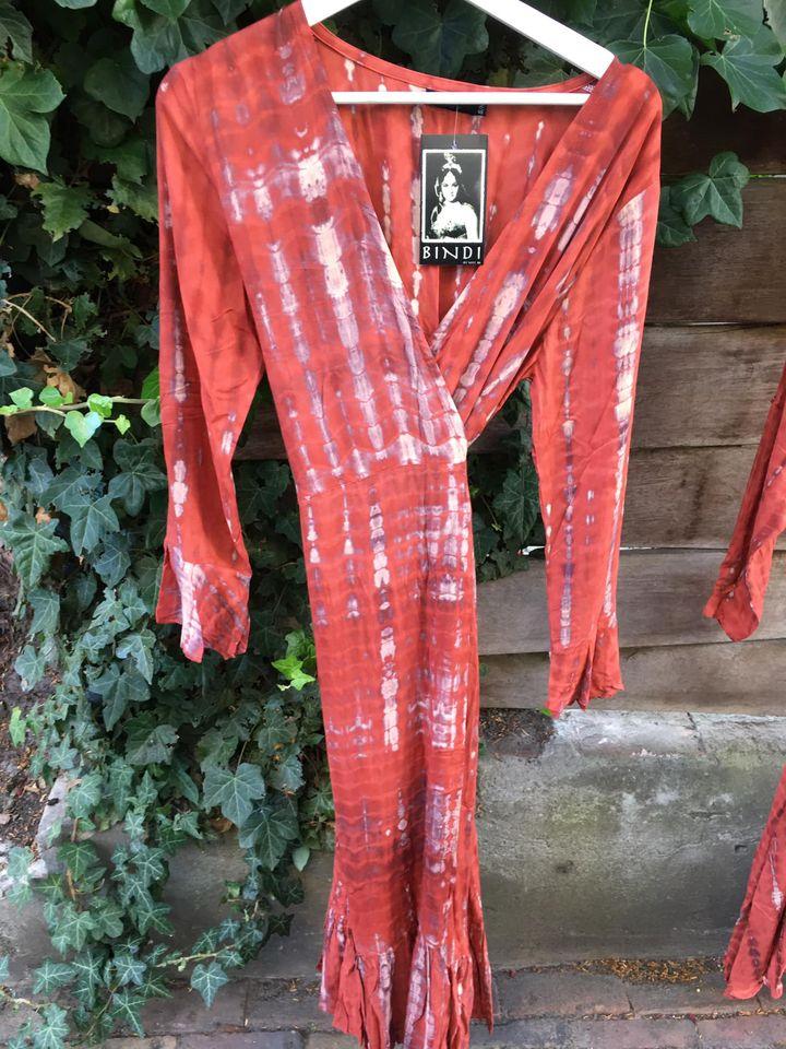 Nieuwe damesmode in herfstkleuren van het merk Bindi